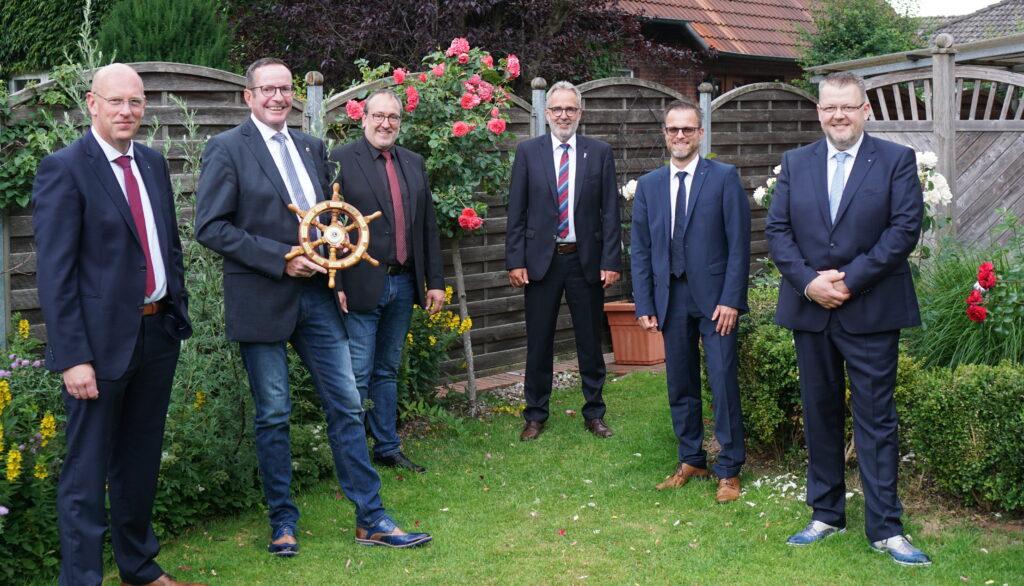 Der Vorstand: (von links) Eike Bohlmann,  Jens Krummacker, Lars Schröder, Hans Kemmeries, Nils Böger und Wolfram Flaack